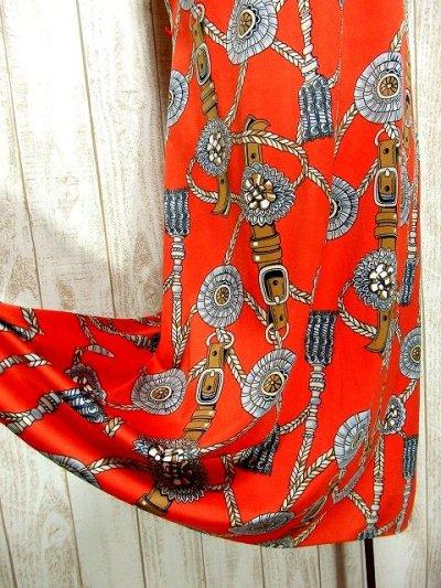 画像3: ヨーロッパ古着 スカーフ柄×レトロアンティークなタッセル柄♪1着でばっちり!!華やか&お洒落に決まる!!ハイセンスな70's大人ヴィンテージドレス
