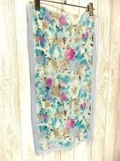 画像2: レトロアンティーク ヴィンテージスカーフ 綺麗なカラーリング 水彩画フラワーモチーフ【3555】 (2)
