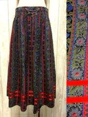 画像1: ストライプ×アンティークフラワー めずらしいカラーリング ウエストコイン装飾 チロルスカート ドイツ民族衣装 舞台 演劇 演奏会 フォークダンス オクトーバーフェスト 【3736】  (1)