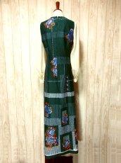 画像5: ヨーロッパ古着 ボリュームたっぷり♪ふんわりバルーン袖がキュート!!深いgreen地にドット・フラワー・レトロ柄☆フォークロア×大人可愛いヴィンテージドレス (5)