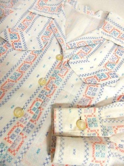 画像3: ☆ ヨーロッパ古着 刺繍ステッチ柄プリントがめずらしい!!ヴィンテージブラウス ☆
