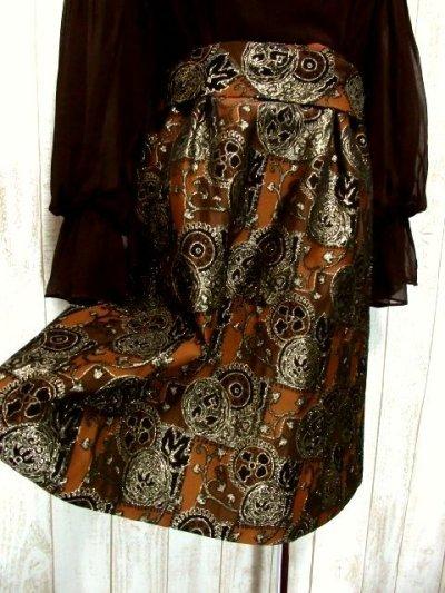 画像2: ヨーロッパ古着 ふんわりボリューム袖♪クラシカル模様切り替えデザイン!!後ろウエストブローチ付き 大人レトロアンティークスタイル♪華やかヴィンテージドレス