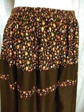 画像2: ☆ ヨーロッパ古着 小花柄×ブラウンカラー切り替えしデザイン♪♪ふんわりレトロガーリーなヨーロピアンヴィンテージスカート ☆ (2)
