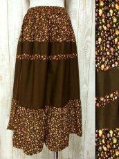 画像1: ☆ ヨーロッパ古着 小花柄×ブラウンカラー切り替えしデザイン♪♪ふんわりレトロガーリーなヨーロピアンヴィンテージスカート ☆ (1)