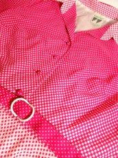 画像9: ヨーロッパ古着 70'sレトロポップ♪大人Dot×Pinkグラデーションパターンが可愛いー!!くるみボタン。乙女レトロガーリーなヴィンテージワンピース ベルトSET (9)