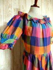 画像6: ヨーロッパ古着 チェック柄×フリルの組み合わせが可愛い♪ふんわり後ろ姿もGood〜★レトロガーリーなヨーロピアンヴィンテージドレス (6)