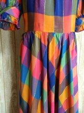 画像5: ヨーロッパ古着 チェック柄×フリルの組み合わせが可愛い♪ふんわり後ろ姿もGood〜★レトロガーリーなヨーロピアンヴィンテージドレス (5)