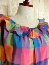 画像3: ヨーロッパ古着 チェック柄×フリルの組み合わせが可愛い♪ふんわり後ろ姿もGood〜★レトロガーリーなヨーロピアンヴィンテージドレス (3)