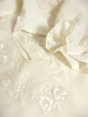 画像8: お花刺繍が素敵 ふんわりパフスリーブ 大人可愛い ヨーロッパ古着 半袖ヴィンテージスモックブラウス【4479】 (8)