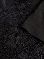 画像6: フラワー刺繍入りレース装飾!!大人レトロクラシカル♪上品な70'sヴィンテージドレス 黒 (6)