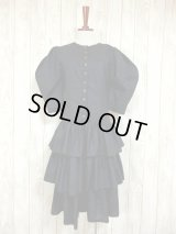 ☆ ヨーロッパ古着 3段ティアードスカート×ふんわりクラシカルな雰囲気♪ヨーロピアンレトロアンティークドレス ☆