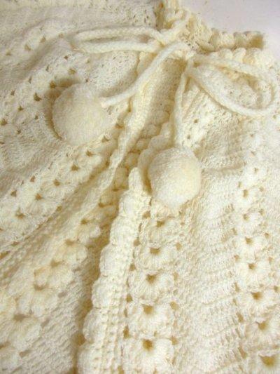 画像3: ☆ ぷっくりモコモコ編み模様♪ふわっと羽織ってばっちり可愛い〜!!首元リボン結び。オフホワイト×ガーリー レトロアンティークヴィンテージポンチョ ☆