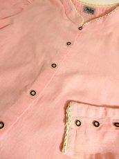 画像7: ピンク スタンドカラー シンプルデザイン レース ウッド調ボタン ガーリー クラシカル ディアンドル チロルブラウス ドイツ民族衣装 舞台 演奏会 フォークダンス オクトーバーフェスト 【4647】 (7)