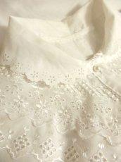画像6: フラワーレース&パール調ボタンがキュート ホワイト ディアンドル チロルブラウス ドイツ民族衣装 舞台 演奏会 フォークダンス オクトーバーフェスト 【4659】 (6)