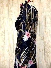 画像8: ヨーロッパ古着 大人可愛いアンティークフラワー♪サイド・後ろ姿まで素晴らし〜い!!大人レトロアンティークスタイル 華やか&お洒落なヴィンテージドレス ブローチSET (8)