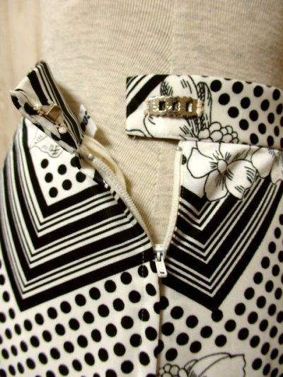 画像2: ☆  モノクロガーリーDot×ジグザグ柄×フラワー柄が可愛い♪ 70's ヴィンテージスカート ブラック×ホワイト ☆