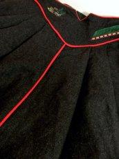 画像9: 動物×ソリ刺繍×チロルテープ装飾 ウッド調ボタンがアクセント チロルスカート ドイツ民族衣装 舞台 演劇 演奏会 フォークダンス オクトーバーフェスト 【4849】 (9)