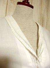 画像3: お花刺繍 レース装飾 ホワイト ディアンドル チロルブラウス ドイツ民族衣装 舞台 演奏会 フォークダンス オクトーバーフェスト 【4892】 (3)