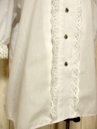画像2: ふんわり袖ラインが可愛い 袖カットワークレース装飾 ホワイト ディアンドル チロルブラウス ドイツ民族衣装 舞台 演奏会 フォークダンス オクトーバーフェスト【4922】