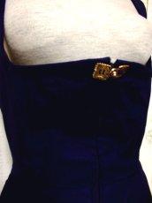 画像3: 深みのあるネイビーカラー×レッドカラーのお花刺繍が素晴らしい 魅力的なフォークロ刺繍入り ディアンドル チロルワンピース ドイツ民族衣装 舞台 演奏会 フォークダンス オクトーバーフェスト 【4985】 (3)