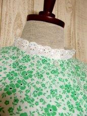 画像3: 花柄 レース装飾 バックウエストリボン レトロ 長袖 ヨーロッパ古着 ヴィンテージワンピースドレス 【4998】 (3)