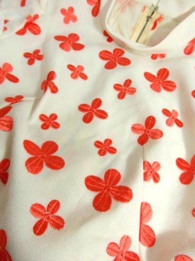 画像3: 70'sヴィンテージ!! 贅沢なぷっくりフラワー刺繍が素晴らしい♪ キレイなシルエットライン★ 大人レトロアンティークスタイル♪ヴィンテージドレス