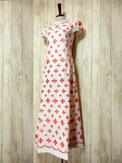 画像1: 70'sヴィンテージ!! 贅沢なぷっくりフラワー刺繍が素晴らしい♪ キレイなシルエットライン★ 大人レトロアンティークスタイル♪ヴィンテージドレス