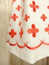 画像7: 70'sヴィンテージ!! 贅沢なぷっくりフラワー刺繍が素晴らしい♪ キレイなシルエットライン★ 大人レトロアンティークスタイル♪ヴィンテージドレス (7)