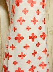 画像6: 70'sヴィンテージ!! 贅沢なぷっくりフラワー刺繍が素晴らしい♪ キレイなシルエットライン★ 大人レトロアンティークスタイル♪ヴィンテージドレス (6)