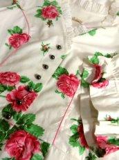 画像11: オーストリア製 大きな花柄×襟元レース装飾がとびっきり可愛い ふんわりパフスリーブ ディアンドル チロルワンピース ドイツ民族衣装 舞台 演奏会 フォークダンス オクトーバーフェスト 【5138】 (11)