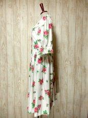 画像7: オーストリア製 大きな花柄×襟元レース装飾がとびっきり可愛い ふんわりパフスリーブ ディアンドル チロルワンピース ドイツ民族衣装 舞台 演奏会 フォークダンス オクトーバーフェスト 【5138】 (7)