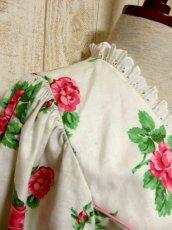 画像6: オーストリア製 大きな花柄×襟元レース装飾がとびっきり可愛い ふんわりパフスリーブ ディアンドル チロルワンピース ドイツ民族衣装 舞台 演奏会 フォークダンス オクトーバーフェスト 【5138】 (6)