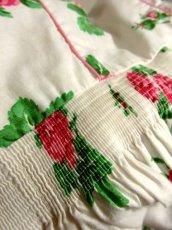 画像15: オーストリア製 大きな花柄×襟元レース装飾がとびっきり可愛い ふんわりパフスリーブ ディアンドル チロルワンピース ドイツ民族衣装 舞台 演奏会 フォークダンス オクトーバーフェスト 【5138】 (15)