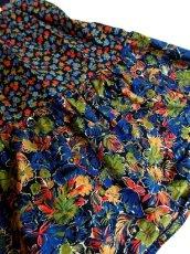 画像6: ☆ ヨーロッパ古着 ボーダー×フラワー柄切り替えパターン♪大人っぽいカラーリングにうっとり♪★ ふんわりヴィンテージスカート ネイビー ☆ (6)
