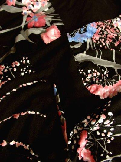 画像3: ヨーロッパ古着 360度大人可愛い逸品♪大胆ヴィンテージフラワープリント!! 袖先リボン結び★ パーティースタイルにもおすすめ!! 70'sお洒落な大人ヴィンテージドレス