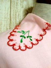 画像8: ぷっくりお花刺繍 Pinkカラー!!ステッチが可愛い 袖にも刺繍 ヨーロッパ古着 大人ガーリーなヴィンテージ刺繍スモックブラウス【5347】 (8)