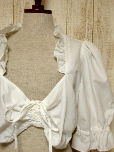 画像2: ショート丈 ホワイト フリルデザインが可愛い 胸元リボン ディアンドル ヴィンテージブラウス ドイツ民族衣装 舞台 演奏会 フォークダンス オクトーバーフェスト【5361】