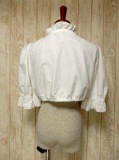 画像5: ショート丈 ホワイト フリルデザインが可愛い 胸元リボン ディアンドル ヴィンテージブラウス ドイツ民族衣装 舞台 演奏会 フォークダンス オクトーバーフェスト【5361】 (5)