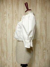 画像6: ショート丈 ホワイト フリルデザインが可愛い 胸元リボン ディアンドル ヴィンテージブラウス ドイツ民族衣装 舞台 演奏会 フォークダンス オクトーバーフェスト【5361】 (6)