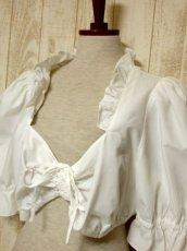 画像7: ショート丈 ホワイト フリルデザインが可愛い 胸元リボン ディアンドル ヴィンテージブラウス ドイツ民族衣装 舞台 演奏会 フォークダンス オクトーバーフェスト【5361】 (7)