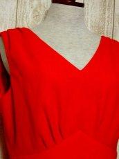 画像3: ヨーロッパ古着 ハッと目を引くレッドカラー×キラリと光るビジュー装飾がアクセント!! 大人ヨーロピアンヴィンテージドレス (3)