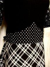 画像10: ドット柄 斜めチェック柄 小花柄 ブラック ホワイト 後ろリボン 半袖 レトロ ヨーロッパ古着 ヴィンテージマキシ丈ドレス【5458】 (10)