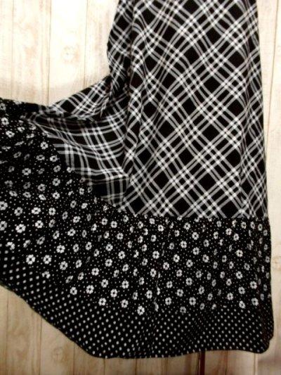 画像2: ドット柄 斜めチェック柄 小花柄 ブラック ホワイト 後ろリボン 半袖 レトロ ヨーロッパ古着 ヴィンテージマキシ丈ドレス【5458】