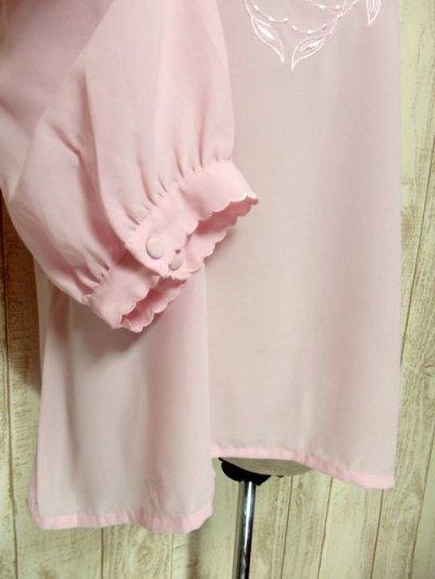 画像2: ヨーロッパ古着 ピンク 上品で女性らしい 綺麗なリーフ刺繍 大人クラシカルガーリー シャツ ブラウス  レトロトップス【5463】
