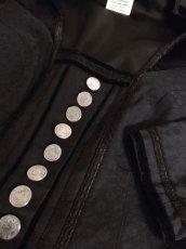 画像10: ☆ ヨーロッパ古着 大人クラシカル!! フラワー織り×ベロア切り返しデザイン♪ レトロアンティークボタン!! チロルジャケット Back ☆  (10)