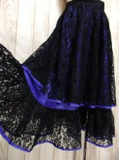 画像4: 贅沢な総フラワーレース ティアードデザイン ブラック 上品 クラシカル レトロ ヨーロッパ古着 ヴィンテージスカート【5535】 (4)
