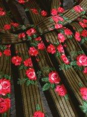 画像8: ストライプ×アンティークフラワー ブラックテープ×レース装飾 チロルスカート ドイツ民族衣装 舞台 演劇 演奏会 フォークダンス オクトーバーフェスト 【5655】 (8)
