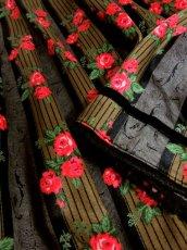 画像7: ストライプ×アンティークフラワー ブラックテープ×レース装飾 チロルスカート ドイツ民族衣装 舞台 演劇 演奏会 フォークダンス オクトーバーフェスト 【5655】 (7)