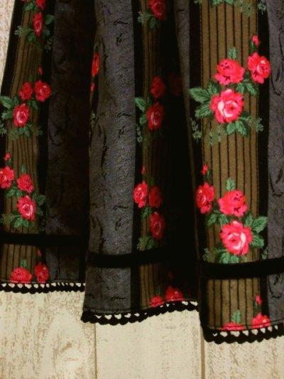 画像2: ストライプ×アンティークフラワー ブラックテープ×レース装飾 チロルスカート ドイツ民族衣装 舞台 演劇 演奏会 フォークダンス オクトーバーフェスト 【5655】