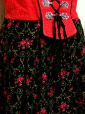 画像10: 花柄 レッド ブラック フロントリボン サイドジッパー ノースリーブ クラシカル ディアンドル チロルワンピース ドイツ民族衣装 舞台 演奏会 フォークダンス オクトーバーフェスト 【5687】 (10)